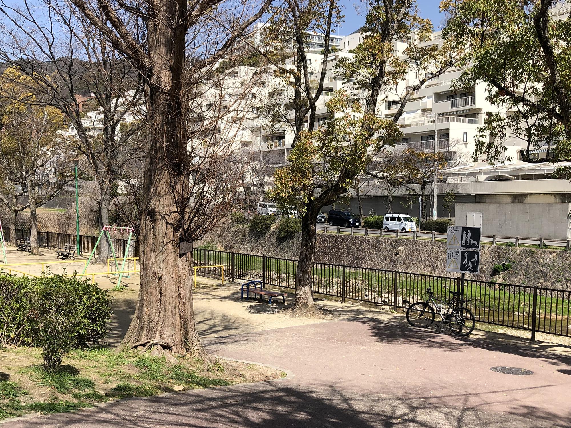 芦屋のほたるスポット「山芦屋公園」
