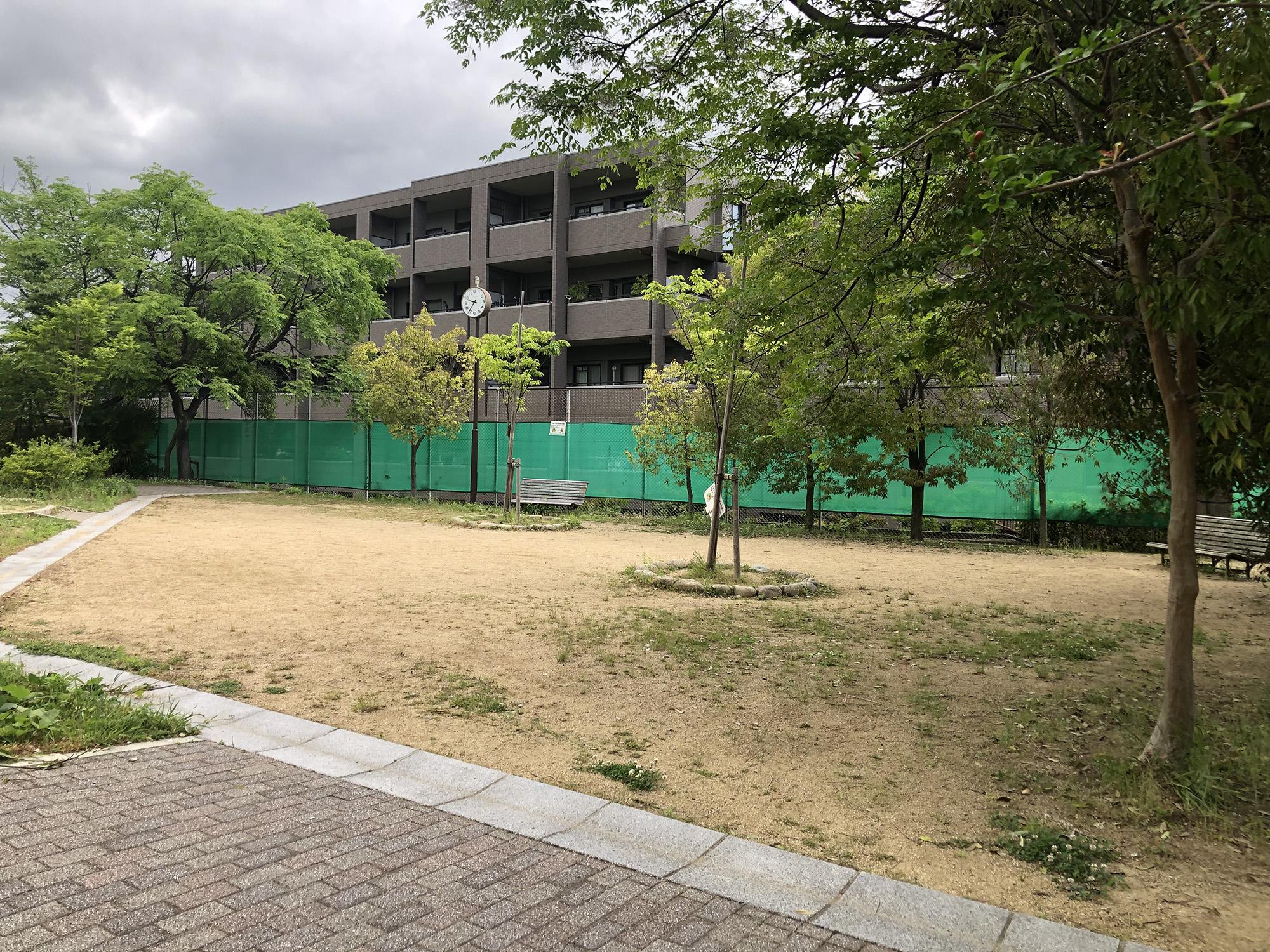 朝日ヶ丘広場
