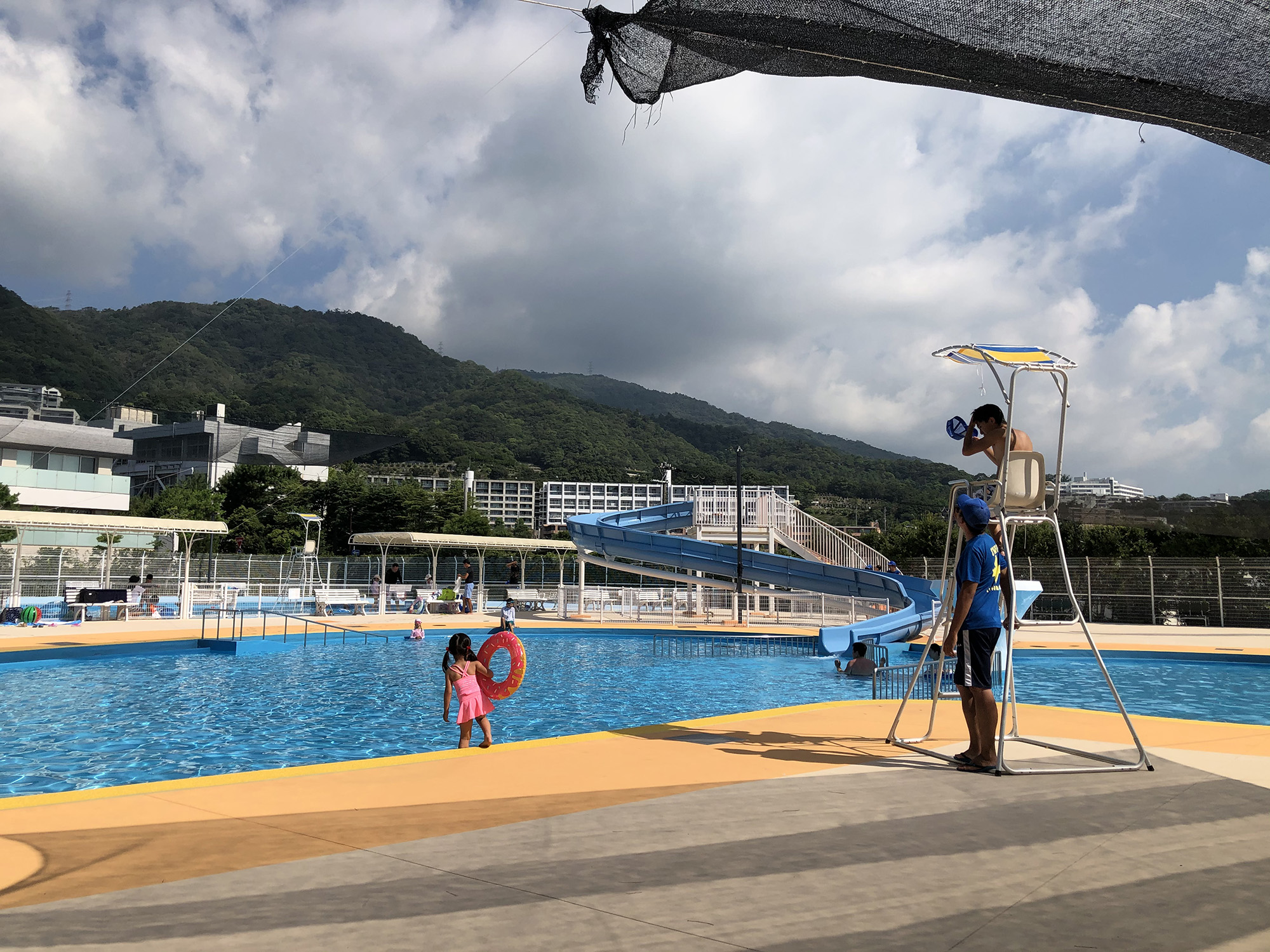 芦屋の市民プールは8月31日まで!